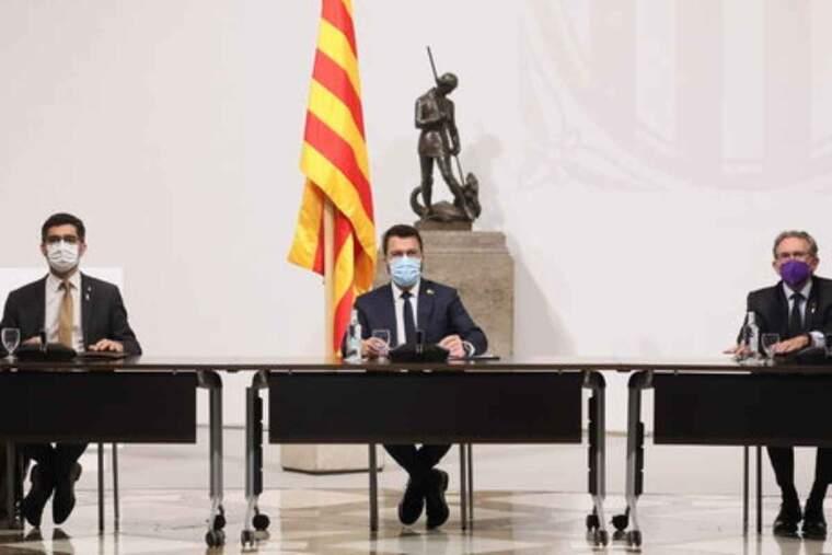 Pla general del president de la Generalitat, Pere Aragonès; el vicepresident, Jordi Puigneró, i el conseller d'Economia, Jaume Giró