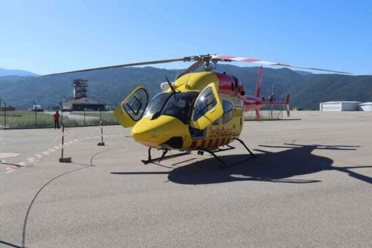 Pla obert del nou helicòpter de rescat amb personal mèdic del SEM i base permanent al Pirineu