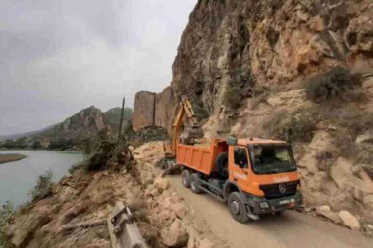 Imatge de la carretera de Sant Llorenç de Montgai
