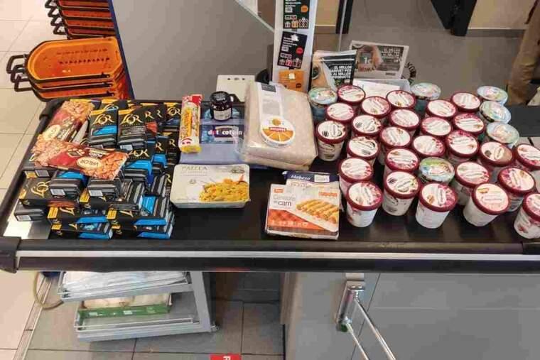 Imatge de productes robats d'un supermercat de Cervera