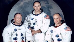 Imatge dels tres astronautes que van protagonitzar aquell moment històric