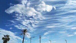 Imatge dels núvols de vent d'aquests dies al cel de Catalunya