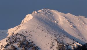 Imatges des d'Esterri d'Àneu de les muntanyes de Rocablanca i lo Tesol després de les nevades d'aquests dies