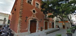 Façana de l'Institut d'Estudis Vallencs de Valls.
