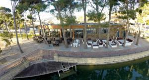 Imatge aèria del restaurant Parc la Fàbrica del Pla de Santa Maria.