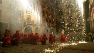 Baixada de l'Àngel per la fira de Santa Úrsula de Valls.