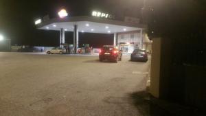 L'home s'ha incendiat davant d'una gasolinera