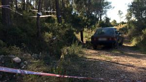 El cotxe del desaparegut a una zona propera a Les Pobles (Aiguamúrcia).