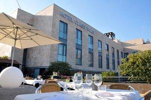 Àmplia terrassa del restaurant El Tast de Valls.