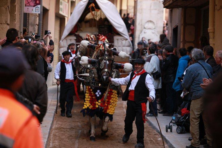 Els Tres Tombs de Sant Antoni a Valls obren el calendari de grans cites festives de la ciutat.