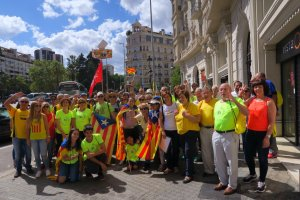 Un grup de persones de Valls a la mobilització del passat 11 de setembre a Barcelona.