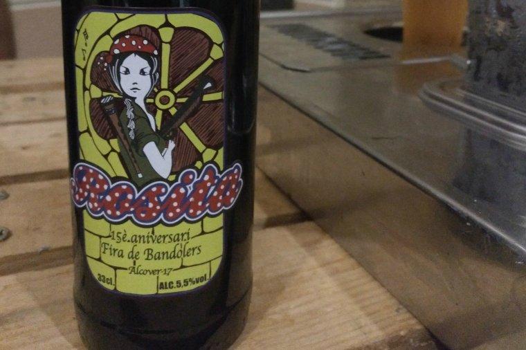 S'ha presentat l'etiqueta que vestirà la cervesa artresanal Rosita d'Alcover en aquesta 15a edició de la Fira.