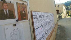 Cartells que podrien ser obligats a retirar a Querol a petició de la Junta Electoral de Tarragona.