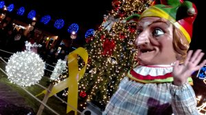Els elements festius de la ciutat han participat en l'encesa dels llums de Nadal a Valls.