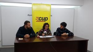 Francesc Martinell, Ester Huguet i Jordi Robert durant la roda de premsa sobre els pressupostos de l'Ajuntament de Valls.