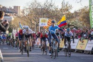 Alejandro Valverde a l'instant de guanyar la segona etapa de la Volta a Valls.