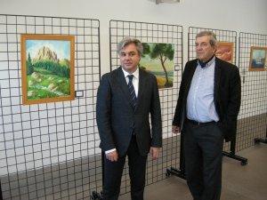 El subdelegat Jordi Sierra amb el pintor Francisco Murillo