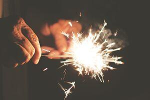 Llegar a los 80 es toda una hazaña: ¡Encuentra la mejor felicitación para tu abuelo o un amigo!