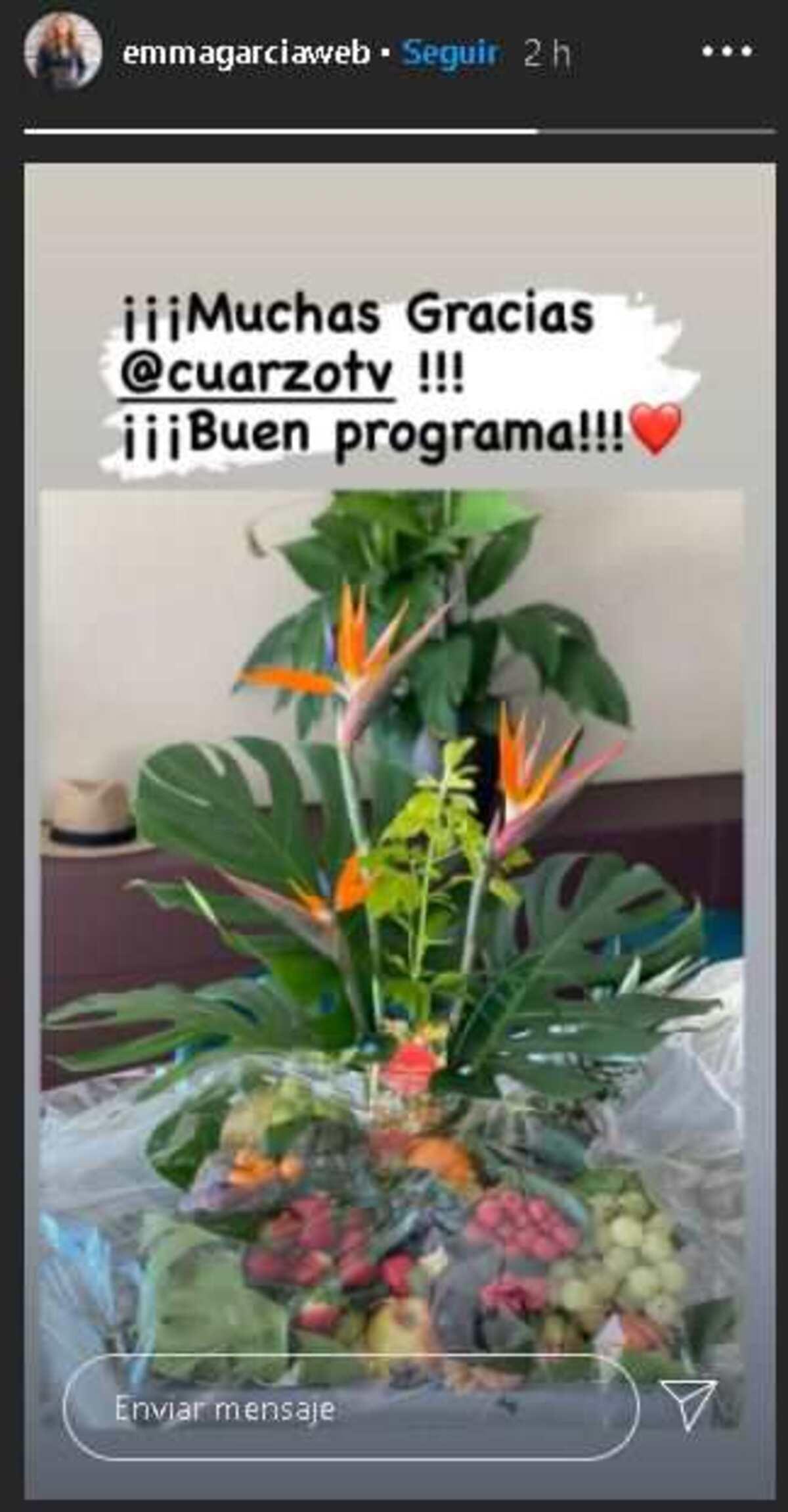 Storie de Emma García en la que muestra un ramo de frutas