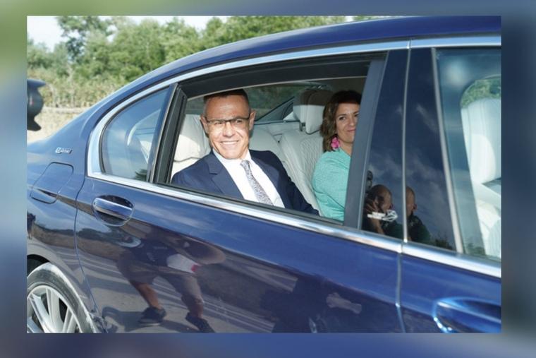 Jordi González en un coche oscuro