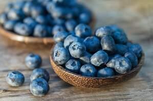 Repletos de antioxidantes, vitaminas y minerales, son alimentos vegetales muy saludables.