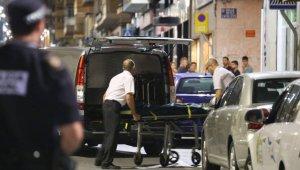 Moment de la retirada del cadàver del xiquet de huit anys a Elda