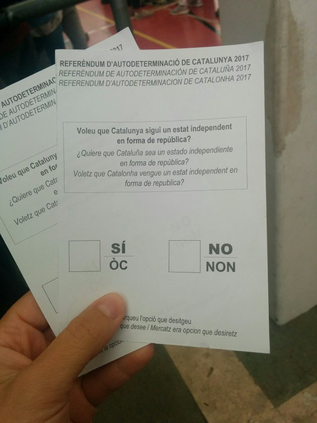 Paperetes de vot per al referèndum de l'1 d'octubre