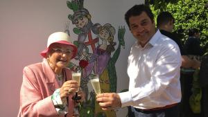 Sant Jordi Confria del cava amb Pilarín Bayés