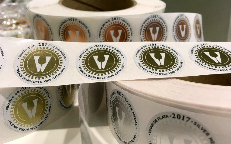 Gràfiques VARIAS col·laboren amb els Premis Vinari des de la primera edició