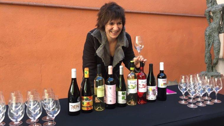 Empar Moliner amb els vins novells