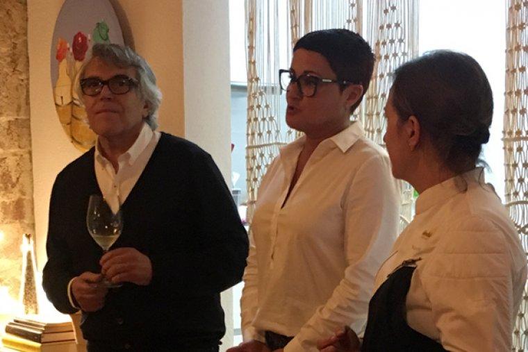 Joan Ignasi Domènech (a l'esquerra), amb Victoria Ibáñez (centre) i Iolanda Bustos