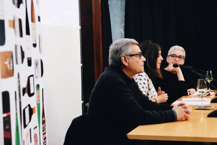 Macari de Golferichs, Patrícia de Golferichs i Margalida Ripoll presdentant l'Agenda dels Vins Catalans 2018