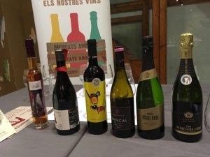 Aquest cicle ofereix sessions de maridatge de vins amb productes del mercat de Santa Caterina