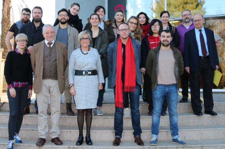 Els estudiants acompanyats dels responsable de l'Incavi