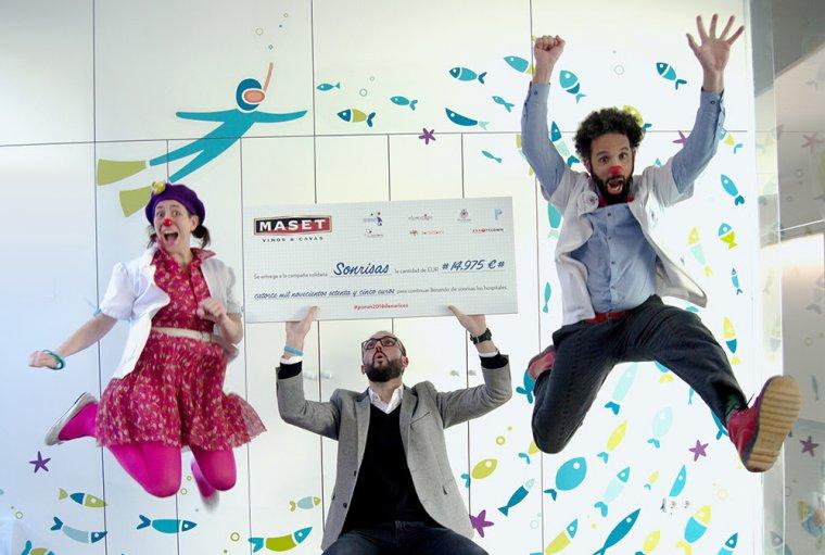 Cellers Maset lliura prop de 15.000 euros a diverses ONG de pallassos