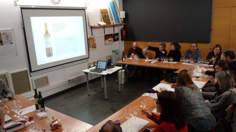 El vi català als centres cívics de Barcelona