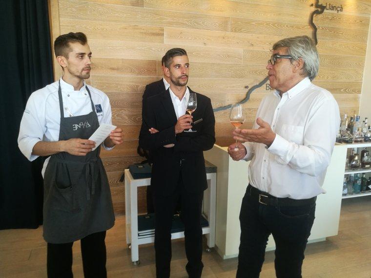El cap de cuina i el sommelier de l'Enoteca amb Joan Ignasi Domènech