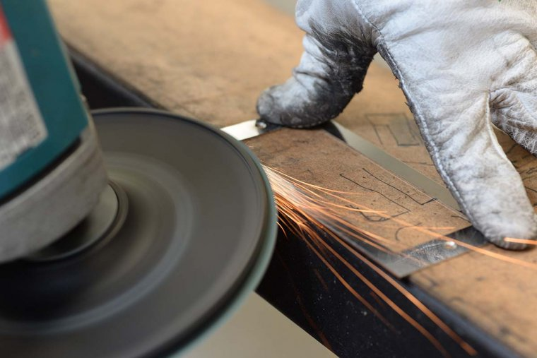 L'acer, el tercer element clau per l'elaboració del guardó dels Vinari