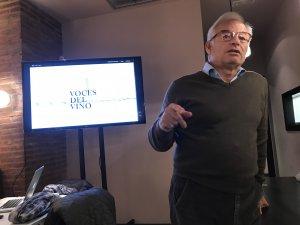 """Xavier Gramona presentant """"Les Veus de Vi"""""""