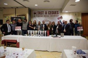 Els guanyadors del concurs de l'edició de l'any passat del Tast per parelles del restaurant Marejol