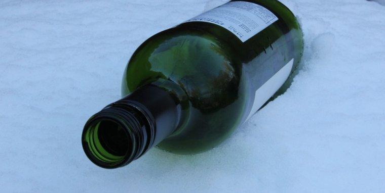 Ampolla de vi a la neu