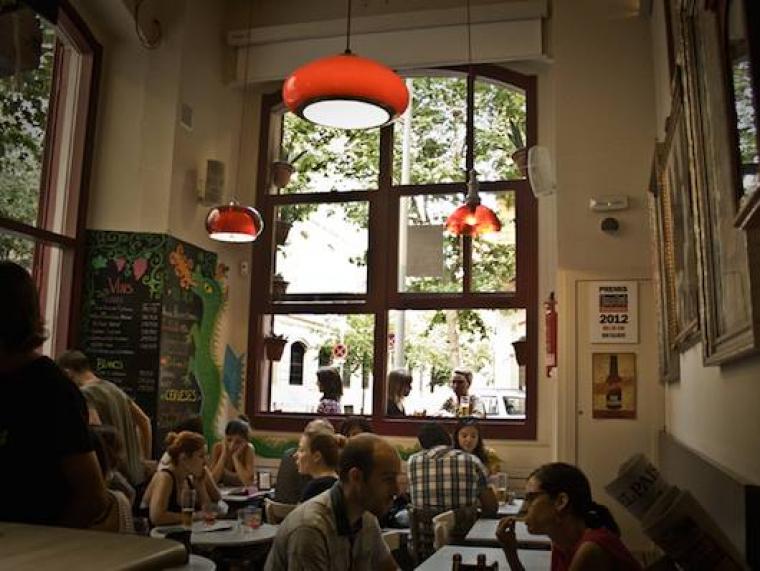 El Bar Calders és el Millor Local de Barcelona per fer el vermut dels Premis Vinari dels Vermuts 2019