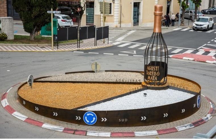 La rotonda d'Agustí Torelló Mata a Sant Sadurní