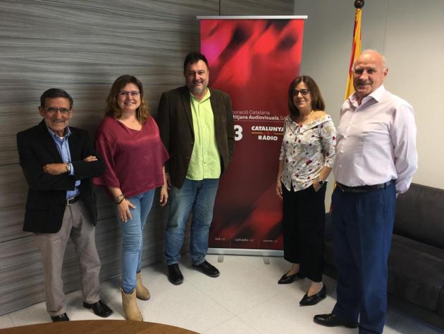 El consell de govern de la CCMA,  Armand Querol, Rita Marzoa, Núria Llorach i Antoni Pemán amb l'editor de Vadevi Salvador Cot