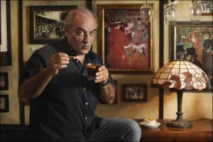 Francesc Orella es pren un Vermut Miró amb el Tot Barcelona