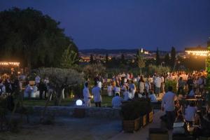 La Festa de la Floració de la Carretera del Vi ha reunit prop de 350 persones a Torres