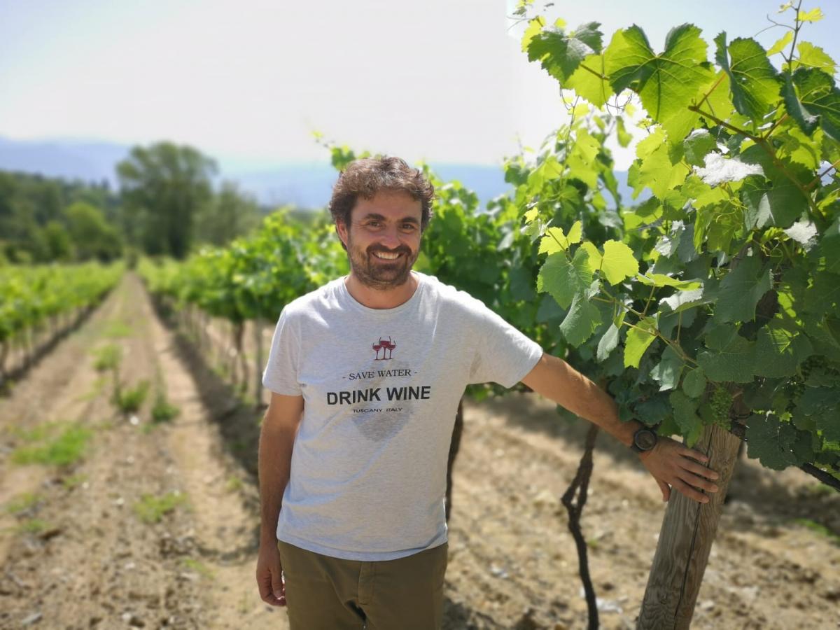 Joaquín Gay de Montellà de Torre del Veguer a la seva vinya de Bolvir