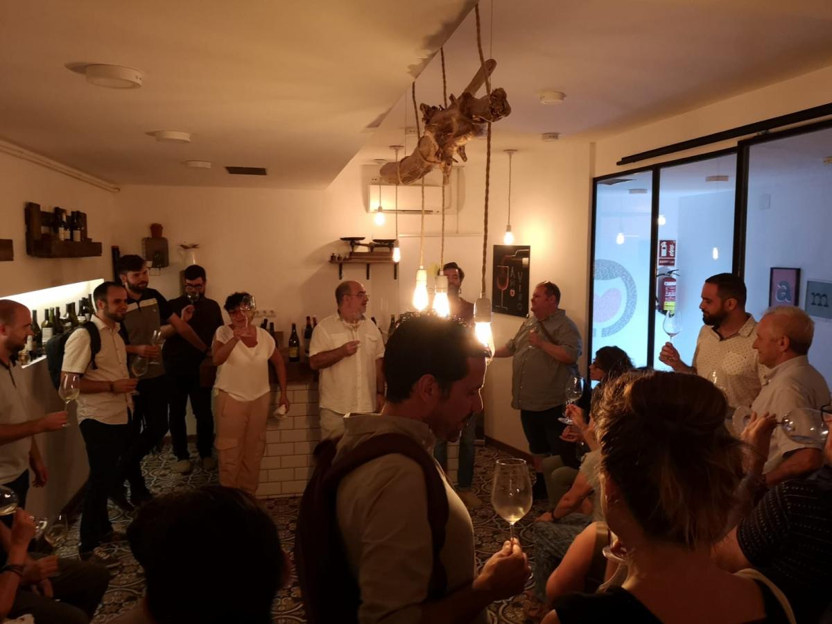 La presentació dels vins de la Verema Solidària es va fer a Amovino a Barcelona