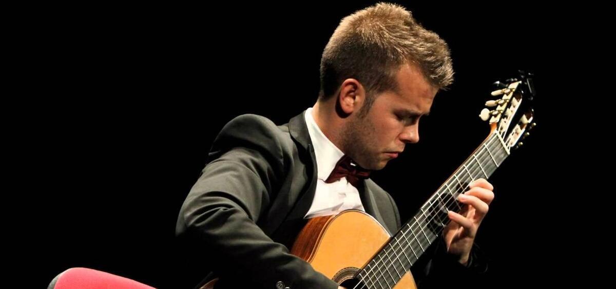 Ferran Talarn oferià un concert de guitarra a Mas Blanch i Jové
