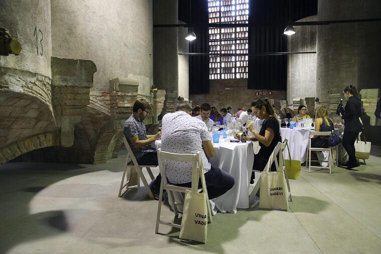 Tast final dels Premis Vinari 2019 al Celler de Rubí